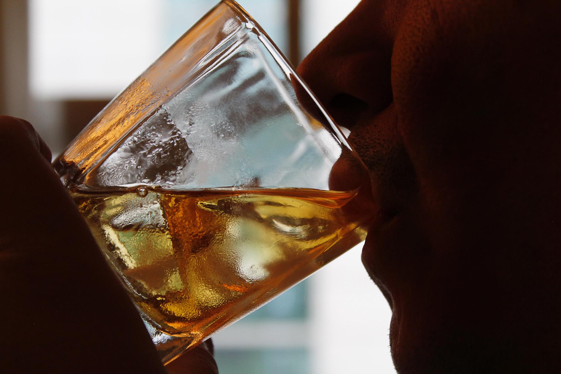 Resultado de imagem para bebidas e jovens