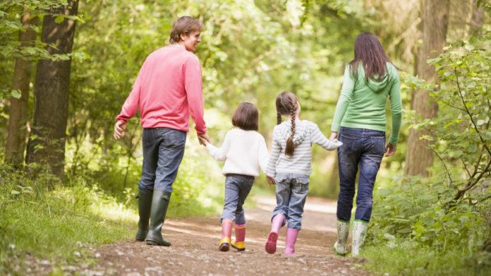 como evangelizar minha familia